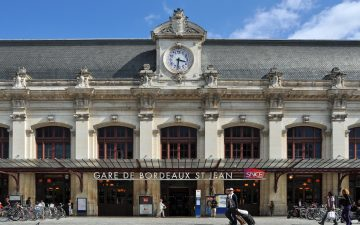 Comment rejoindre le centre-ville de Bordeaux depuis la gare Saint-Jean ?