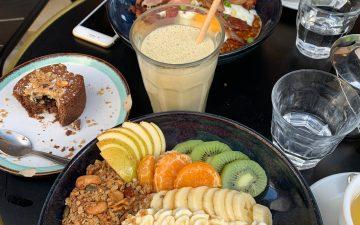 Kokomo Brunch - pancakes sucrées aux fruits