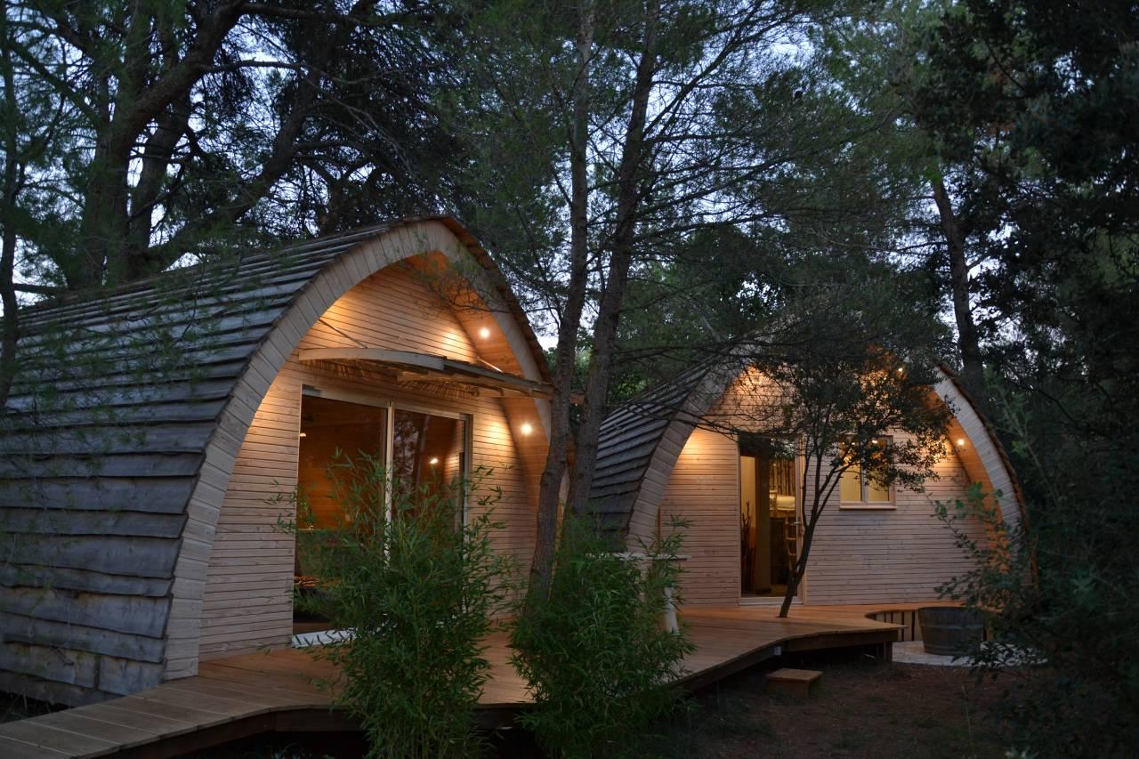 Les lieux insolites - cabanes dans les bois