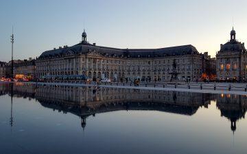 Place de la Bourse Quartier Saint Pierre