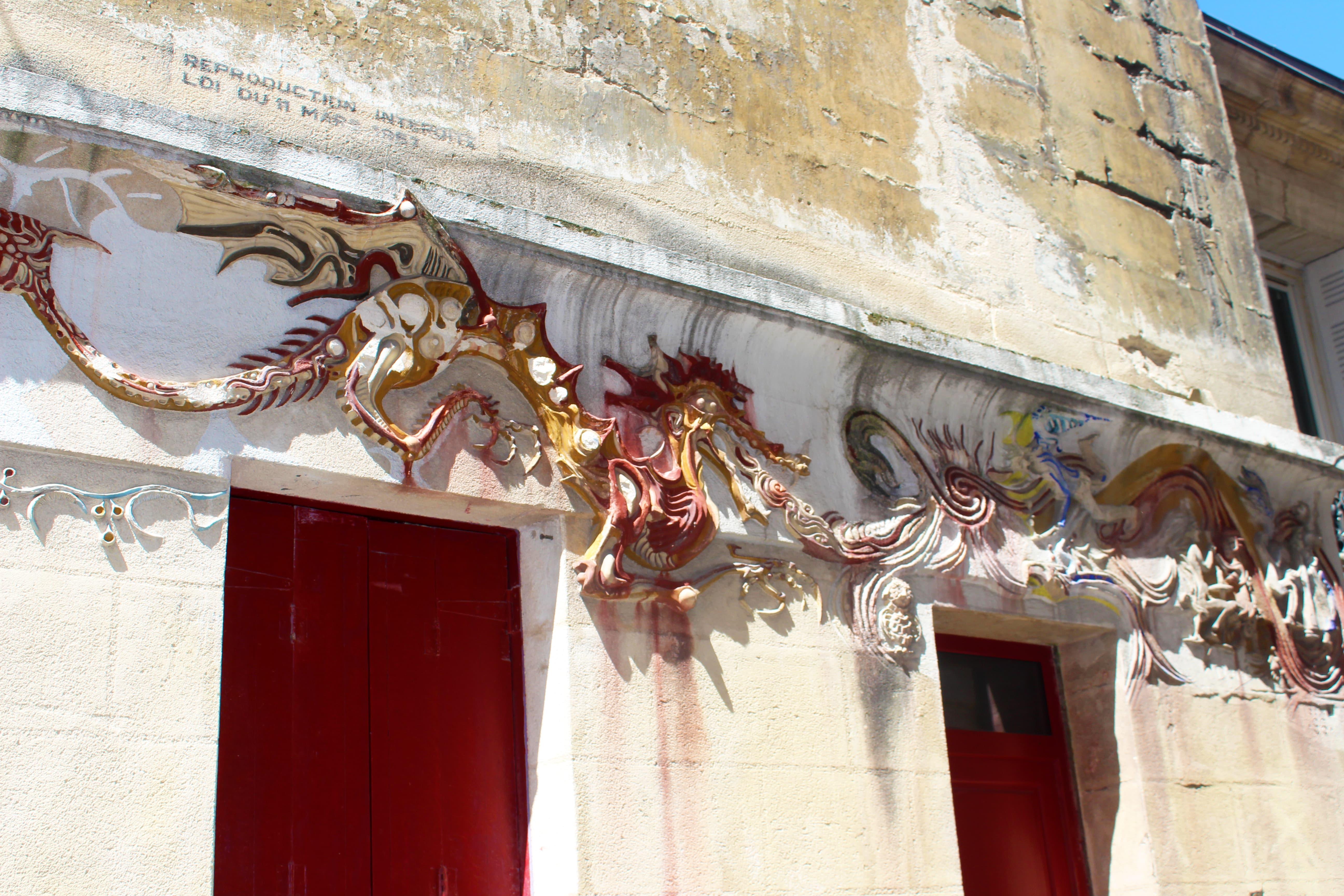 sculpture dragon beyssac