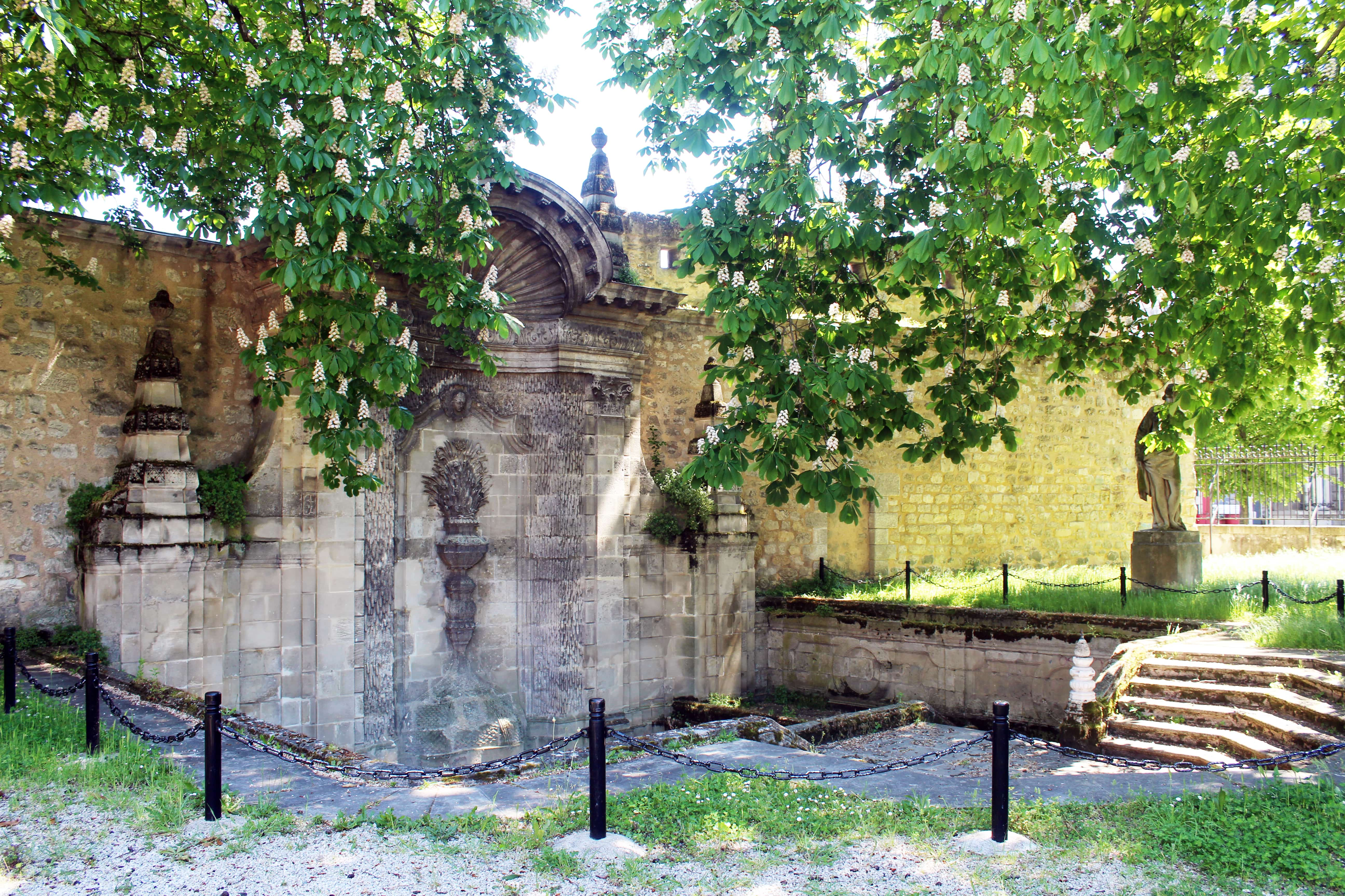 Fontaine Sainte Croix